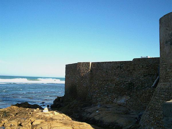 Стены крепости в Асиле / Фото из Марокко