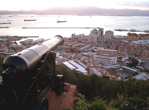 Гибралтар - британский анклав / Фото из Марокко