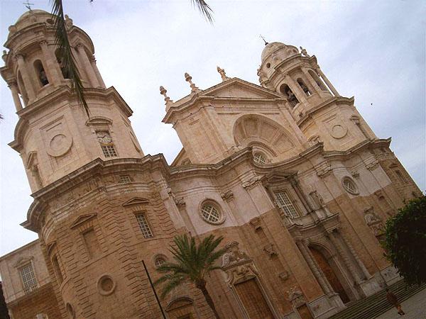 Собор в городе Кадис, Испания / Фото из Марокко