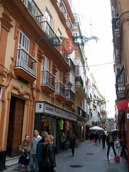 Типичные улицы южной Испании, Кадис / Фото из Марокко