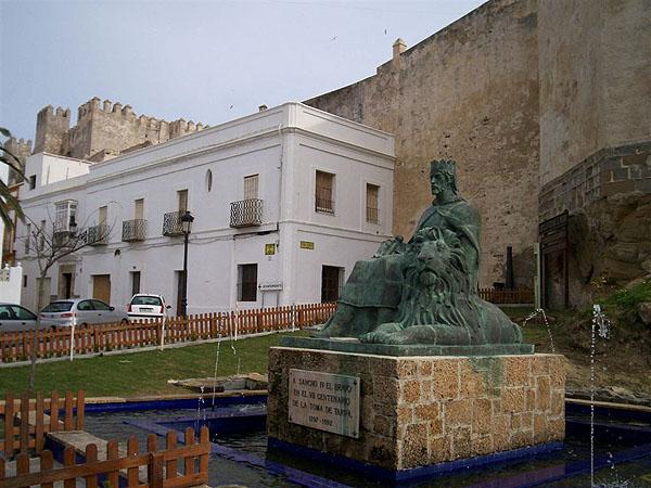 В городе Тарифа, Испания / Фото из Марокко