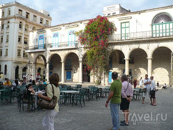 Кафедральная площадь, Паласио-дель-Маркес-де-Аркос / Фото с Кубы