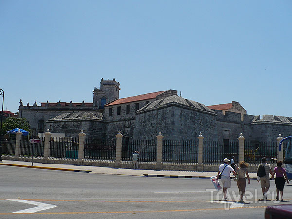 Вид на Кастильо-де-ла-Реал-Фуэрса / Фото с Кубы