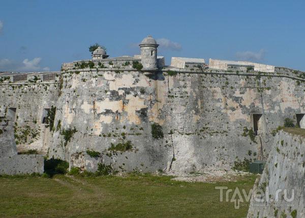 Форталеса-де-Сан-Карлос-де-ла-Кабанья / Фото с Кубы