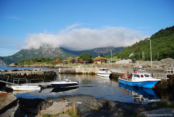 Пристань недалеко от отеля, Согне-фьорд / Фото из Норвегии