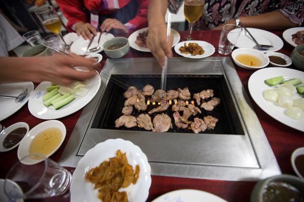"""Ужин в ресторане """"Пхеньянская утка"""" / Фото из Северной Кореи"""