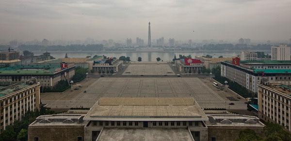 Площадь имени Ким Ир Сена, Пхеньян / Фото из Северной Кореи