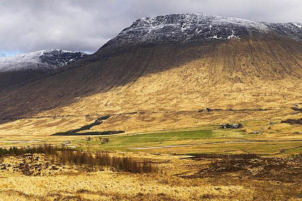 Высокогорья Шотландии хороши даже в пасмурную погоду / Фото из Великобритании