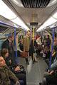 в вагоне метро / Великобритания