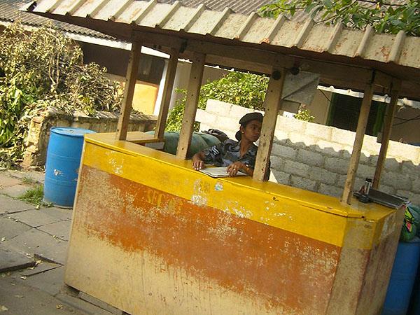 Блокпосты в Коломбо - на каждом шагу / Фото со Шри-Ланки