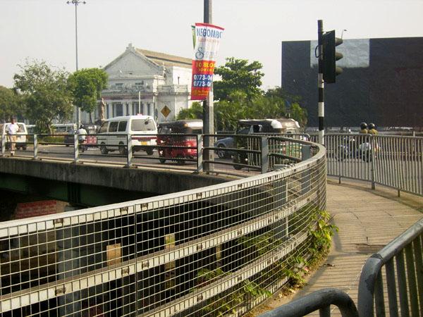 Город Коломбо из окна автобуса, Шри-Ланка / Фото со Шри-Ланки