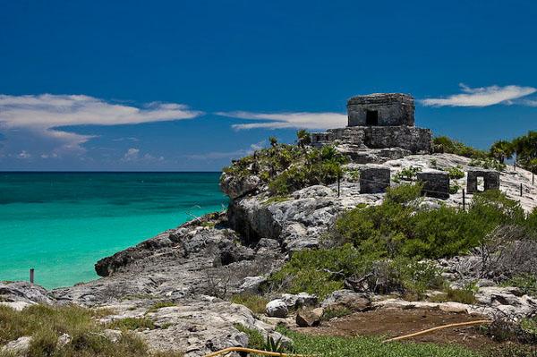 Тулум расположен на самом берегу Карибского моря / Фото из Мексики