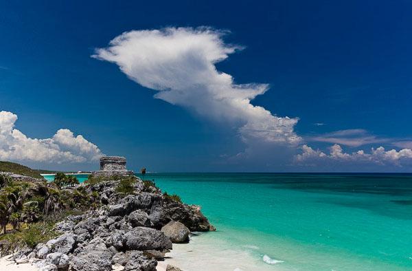 Берег Карибского моря у города Тулум, Мексика / Фото из Мексики