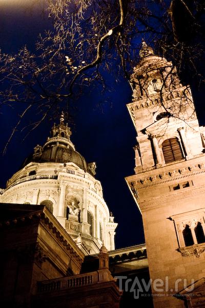 Базилика Святого Стефана вечером / Фото из Венгрии