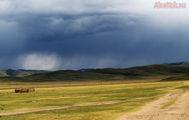 пейзажи меняются каждый десяток километров / Монголия