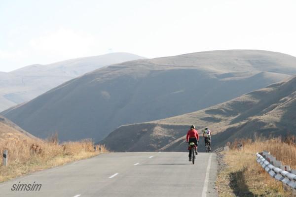 Дорога на Чамбарак, Армения / Фото из Армении