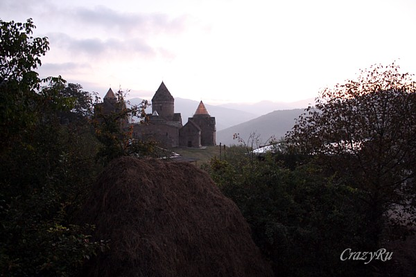 Вид на монастырь Гошаванк, Армения / Фото из Армении