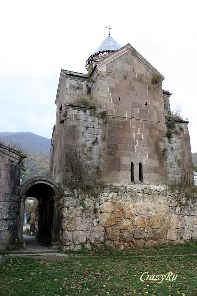 Одна из церквей в монастыре Гошаванк, Армения / Фото из Армении