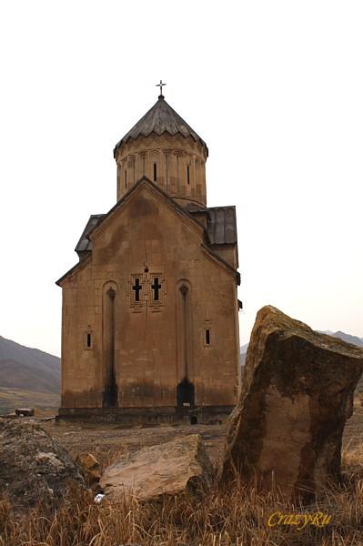 Небольшая и гармоничная церковь Сурб-Аствацацин  / Фото из Армении