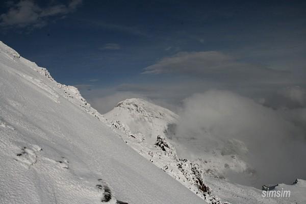 Вершина горы Арагац - 3879 метров над уровнем моря / Фото из Армении