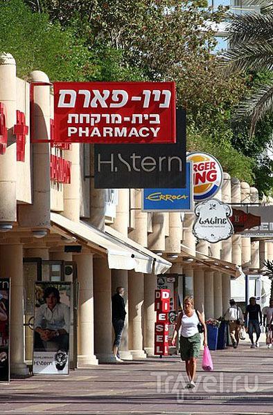 Магазины и кафе на набережной, Эйлат / Фото из Израиля