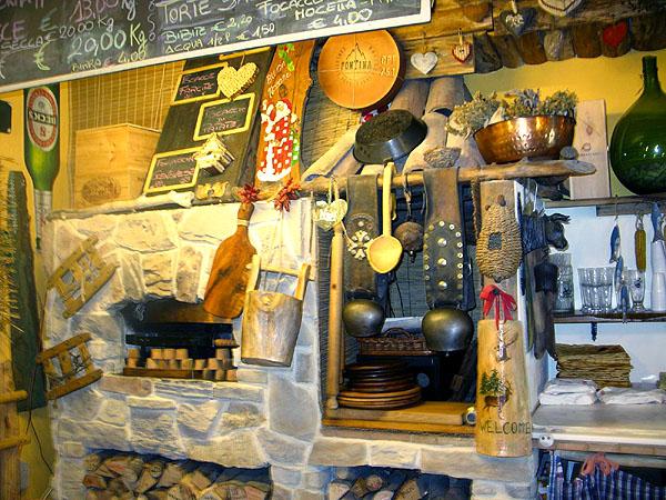 В мини-пекаренке очень вкусная домашняя пицца, Курмайор / Фото из Италии