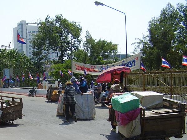 Нейтральная зона между Таиландом и Камбоджей / Фото из Камбоджи
