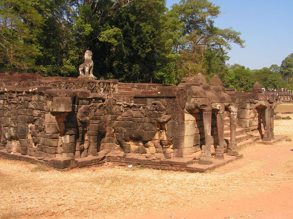 Терраса слонов, Ангкор-Том / Фото из Камбоджи