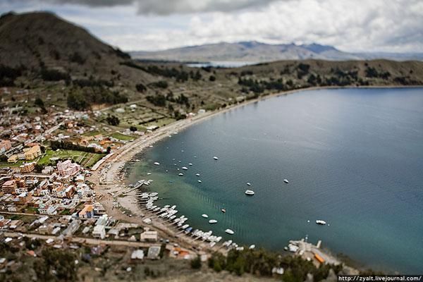 Вид на город Копакабана, Боливия / Фото из Боливии
