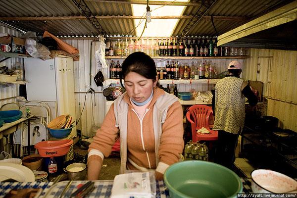 В закусочных Копакабаны подают свежепойманную форель  / Фото из Боливии