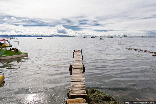 Говорят, на дне озера Титикака покоится Атлантида... / Фото из Боливии