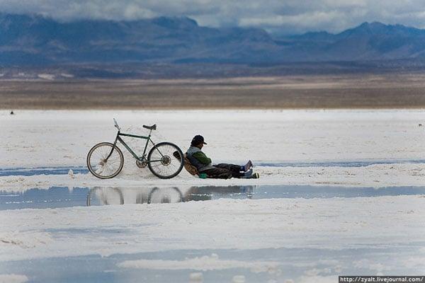 Солончак Уюни - одно из самых популярных туристических мест в Боливии / Фото из Боливии