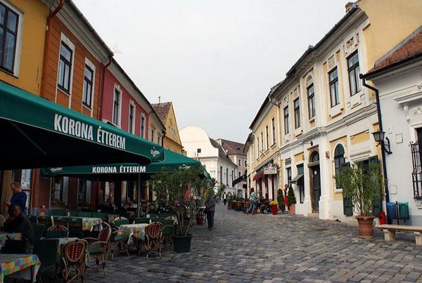 Приезжать в Сентендре лучше в будни / Фото из Венгрии