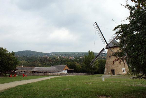 Мельница в парке Skanzen - словно из сказки / Фото из Венгрии