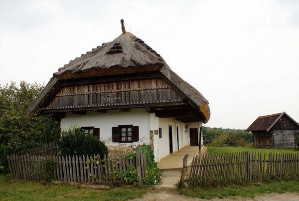 В парке Skanzen собраны крестьянские дома со всей Венгрии / Фото из Венгрии