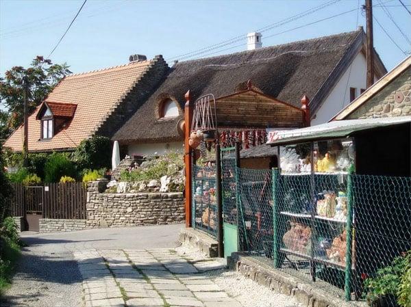 Домики в городке Тихань / Фото из Венгрии