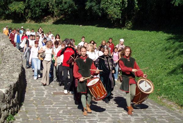 Каждый может почувствовать себя средневековым героем, Вышеград / Фото из Венгрии