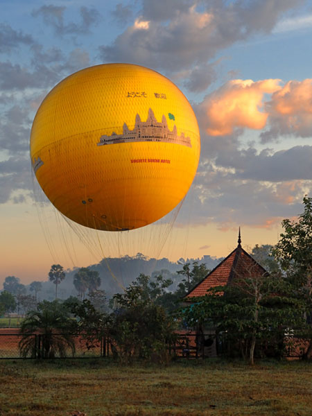 Для перемещений по Ангкору предлагается самый разный транспорт / Фото из Камбоджи