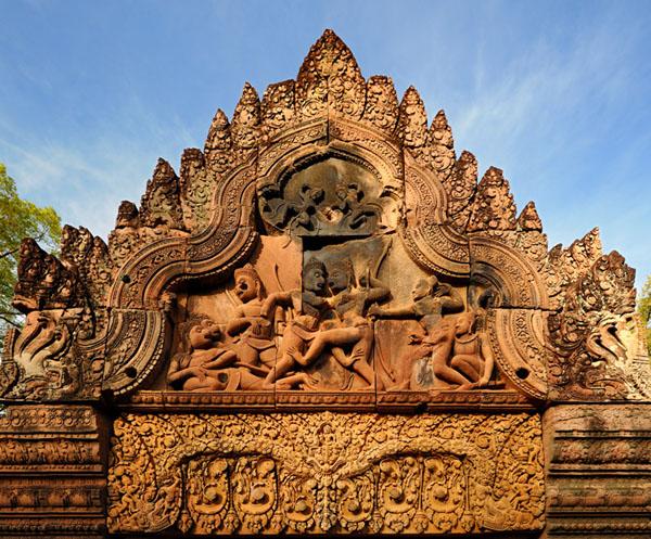 Ажурная резьба на стенах храма Бантей-Срей  / Фото из Камбоджи