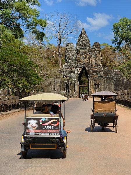 Храмы Ангкора привлекают туристов со всего мира, Камбоджа / Фото из Камбоджи
