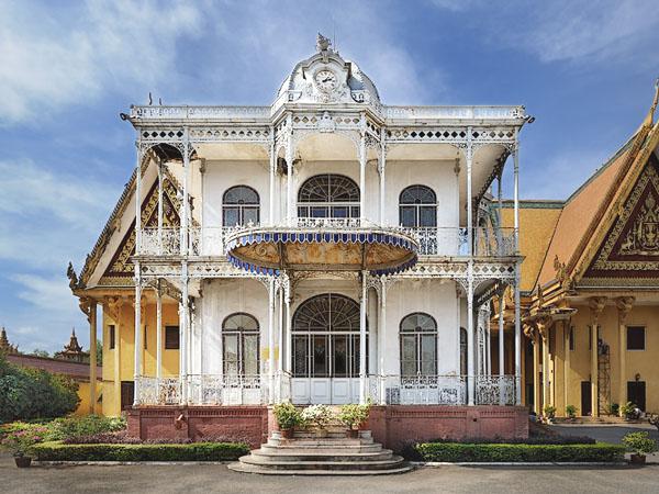 Железный дом - подарок Наполеона III, Пномпень / Фото из Камбоджи