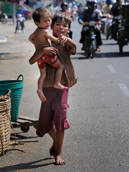 Юные жители Пномпеня, Камбоджа / Фото из Камбоджи