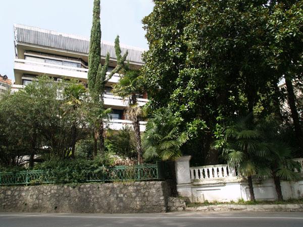 """Гостиница """"Гагра"""" в Гагре / Фото из Абхазии"""