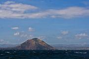Один из вторичных кратеров Таала / Филиппины
