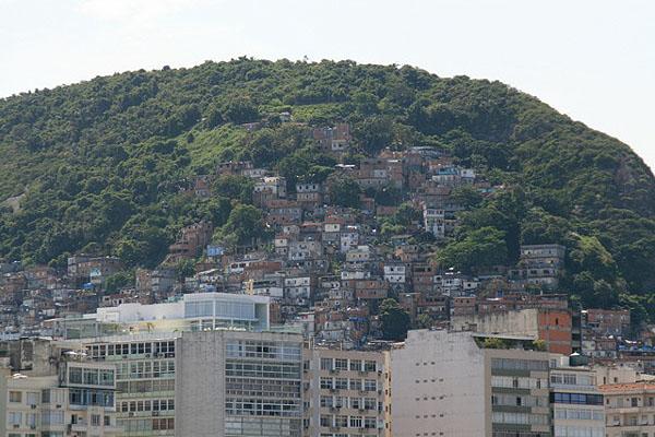 Фавелы - бразильское гетто, Рио-де-Жанейро / Фото из Бразилии
