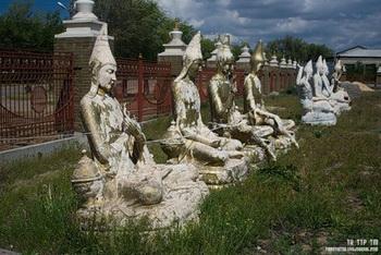 Статуи великих буддийских учителей Наланда / Россия