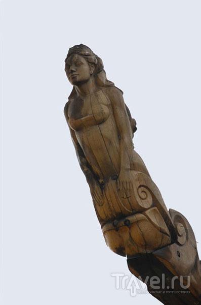 """Скульптура на крыше отеля """"Королева Луиза"""" / Фото из Литвы"""