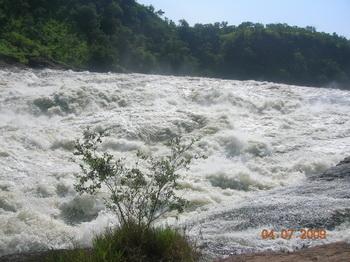 Водопад Мерчисон Фоллс начинает разгон / Руанда