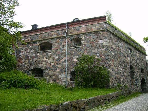 Пикник у стен древней крепости - что может быть романтичнее? / Фото из Финляндии