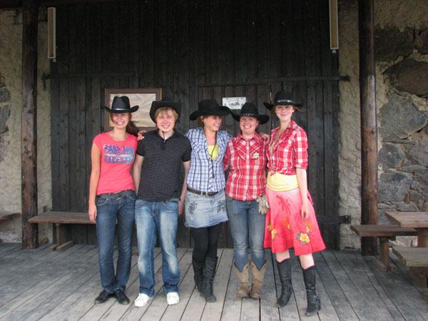 Гостеприимные сотрудники фермы Piisonifarm / Фото из Эстонии
